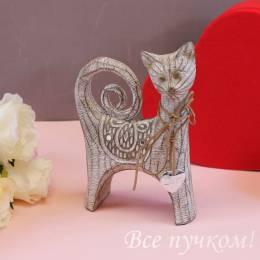 "Фигурка ""Кошка с медальоном LOVE"""