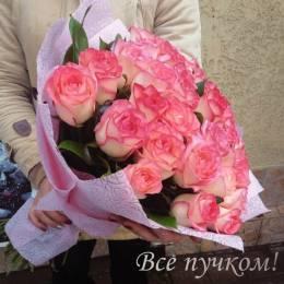 Букет#609- 25 розовых роз 40-50 см в рельефном фетре