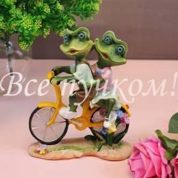 """Фигурка """"Лягушки на велосипеде"""""""
