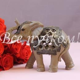 Резной слон