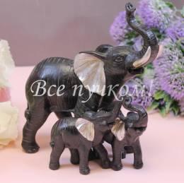 Три черных слона