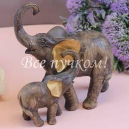 Два коричневых слона
