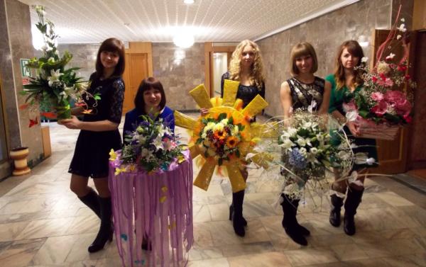 """Флористы """"Все Пучком!"""" на концертах в честь 8 марта"""